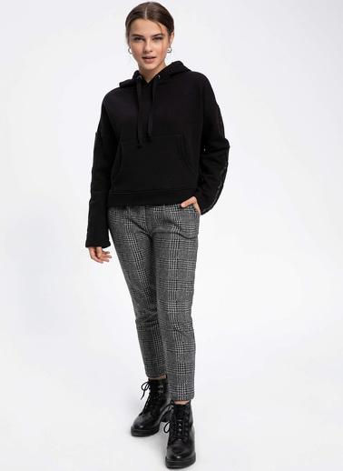 DeFacto Kapşonlu Kolları Şerit Detaylı Sweatshirt Siyah
